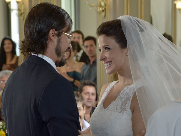 Cristiano reconhece que Abelha é a mulher de sua vida (Foto: Morde & Assopra/TV Globo)
