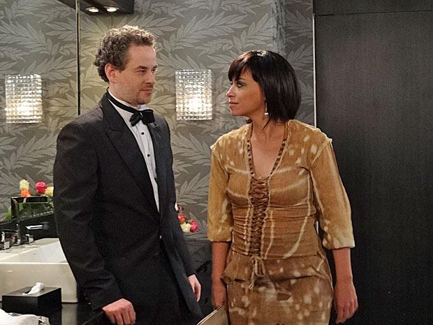 Após beijo, Marcela afirma a Paulo que ele ainda vai se interessar por ela (Foto: Fina Estampa/TV Globo)
