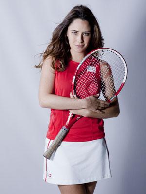 Ana vira uma fera quando o assunto é tênis (Foto: A Vida da Gente - Tv Globo)
