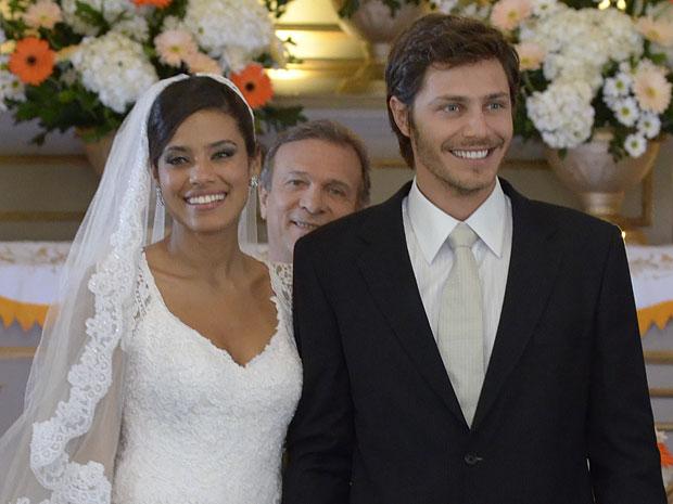 Tiago e Lidia juram amor eterno (Foto: Morde & Assopra/TV Globo)