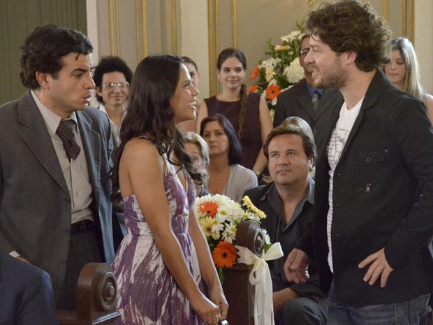 Davi convida Maria João para ensaio nu (Foto: Morde & Assopra/TV Globo)