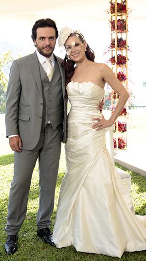 Vestido de casamento de Amanda se destaca pela simplicidade e elegância (Foto: O Astro / TV Globo)