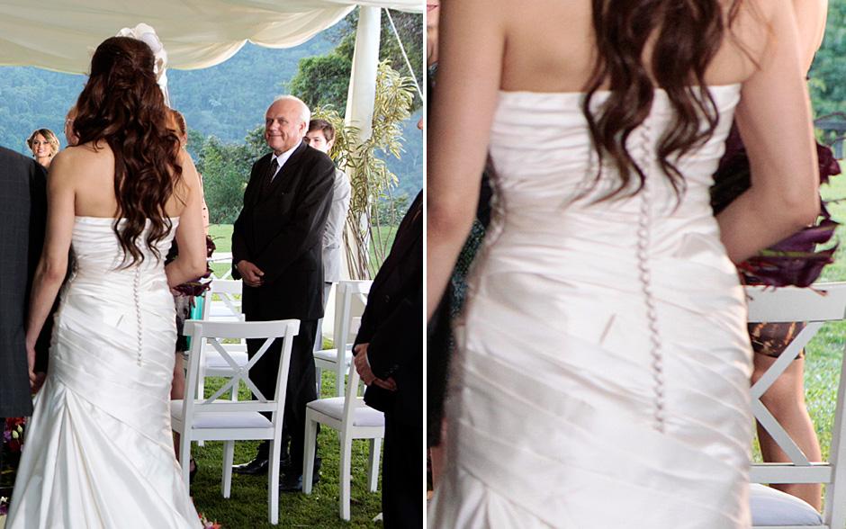 http://s.glbimg.com/et/nv/f/original/2011/10/06/vestido-costas-amanda-astro.jpg