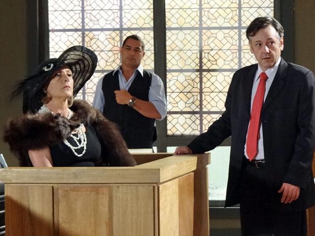 Minerva muda rumo do julgamento ao acusar Everton (Foto: Morde & Assopra/TV Globo)