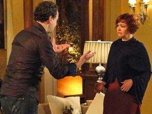 Paulo não está disposto a aceitar que a esposa faça o tratamento (Foto: Fina Estampa/ TV Globo)