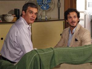 Ambos ficam boquiabertos de como Griselda está bela (Foto: Fina Estampa/ TV Globo)