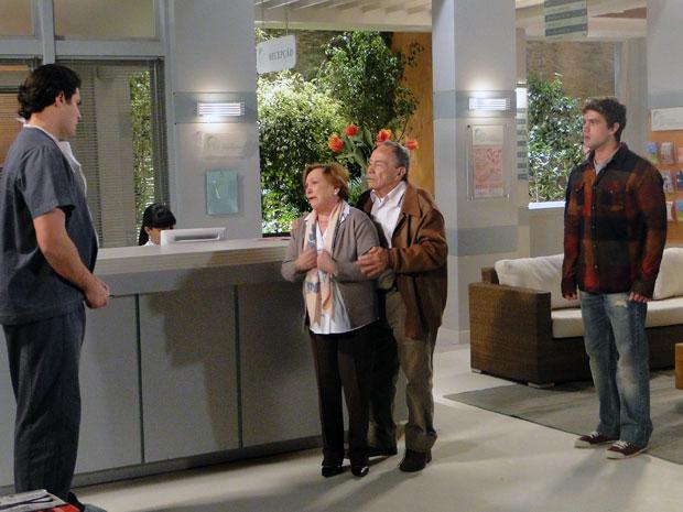 Rodrigo fica transtornado ao descobrir que Ana está em estado vegetativo (Foto: A Vida da Gente - Tv Globo)