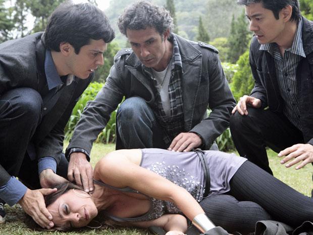 Amanda morre envenenada ao tentar matar Ícaro (Foto: Morde & Assopra/TV Globo)