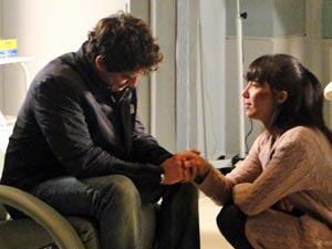 Manu promete que estará ao seu lado (Foto: A Vida da Gente / TV Globo)