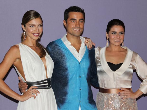 Ricardo Pereira,Grazi Massafera e Giovanna Antonelli confraternizam em festa de lançamento (Foto: Divulgação/TV Globo)