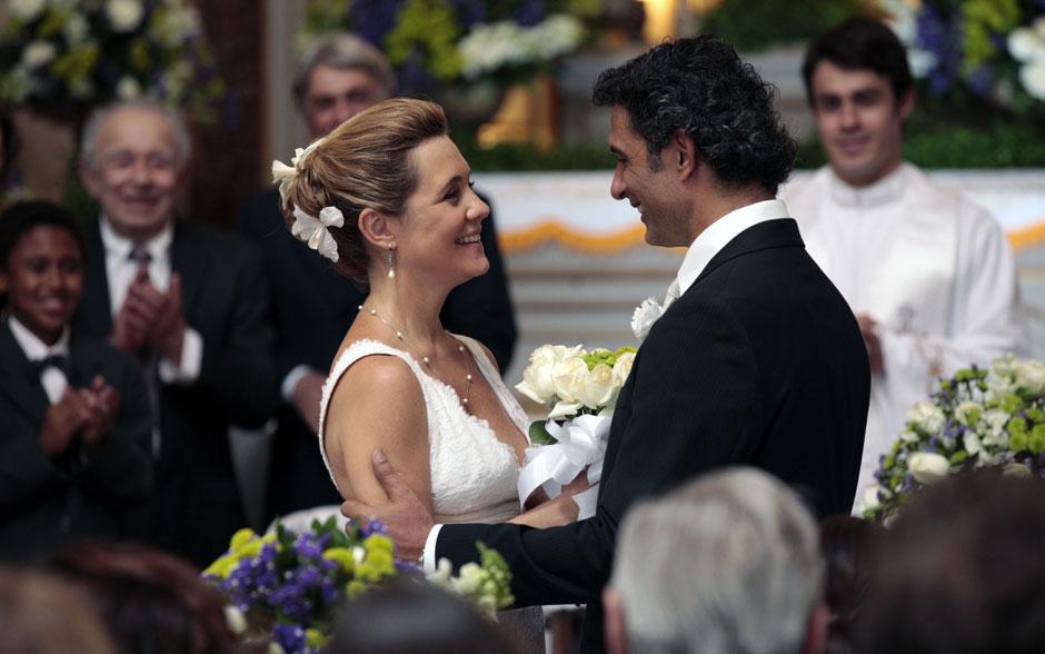 A alegria do casal é contagiante