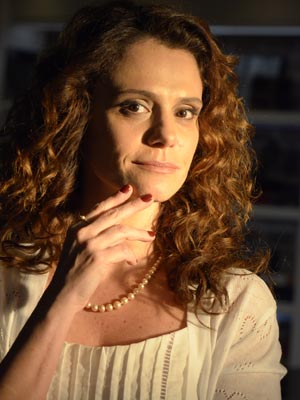Esmlate da Dora foi uma sugestão da atriz Malu Galli (Foto: A Vida da Gente - Tv Globo)