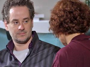Paulo está irredutível em sua decisão de não ter filhos (Foto: Fina Estampa/ TV Globo)