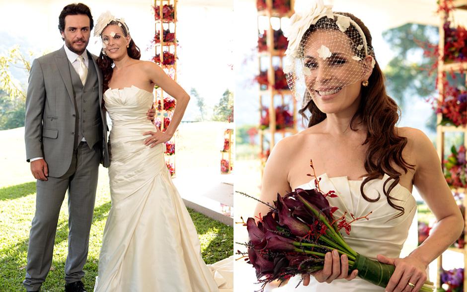 No casamento de Amanda e Herculano, Carolina Ferraz arrasou com um discreto, porém superchique vestido de noiva