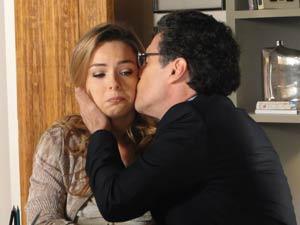 Cris, extremamente frustrada (Foto: A Vida da Gente / TV Globo)