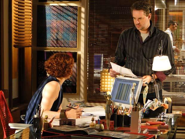 Esther acaba tudo com Paulo (Foto: Fina Estampa / TV Globo)