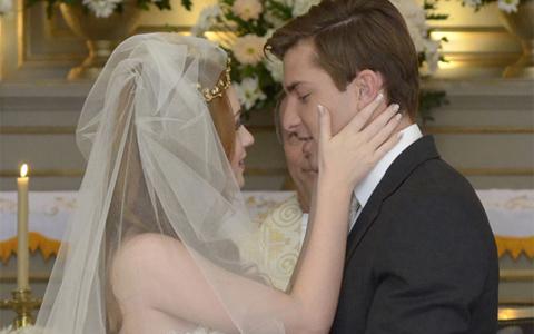 Após idas e vindas, Alice e Guilherme terminam juntos (Morde e Assopra / TV Globo)