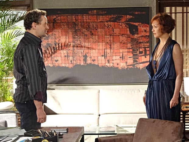 Paulo abre o jogo com Esther e fala que a traiu (Foto: Fina Estampa/TV Globo)