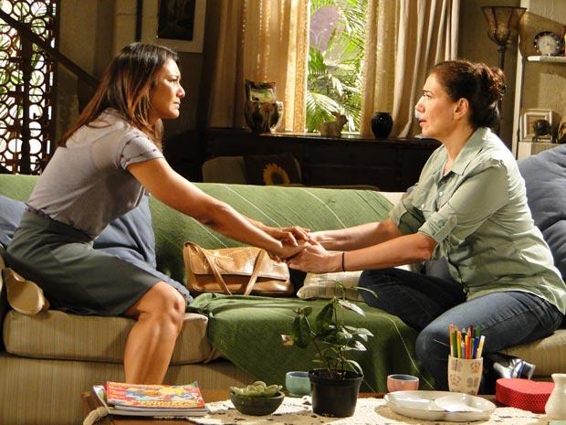 Griselda incentiva a amiga a largar o marido (Foto: Fina Estampa/TV Globo)