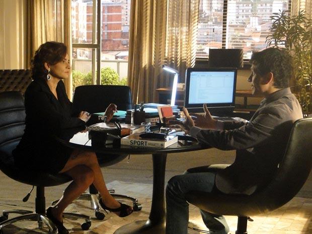 Vitória tenta reatar parceria com a Infinity, mesmo com Ana em coma (Foto: A Vida da Gente/TV Globo)