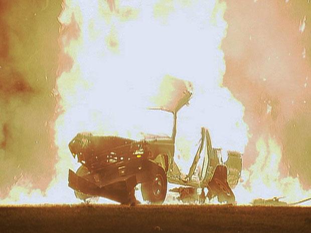 Neco mata Natal com bomba no carro do inimigo (Foto: O Astro / TV Globo)