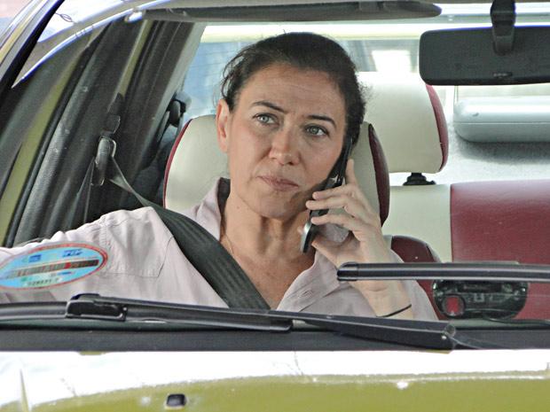 Griselda não facilita para a ex-nora (Foto: Fina Estampa/TV Globo)