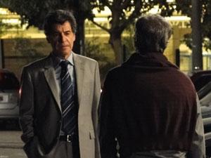Jonas oferece 500 mil reais pelo sêmen de Lourenço (Foto: A Vida da Gente - Tv Globo)