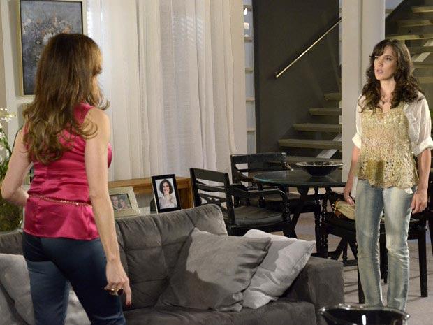 Tereza Cristina e Patrícia não fazem as pazes (Foto: Fina Estampa/ TV Globo)