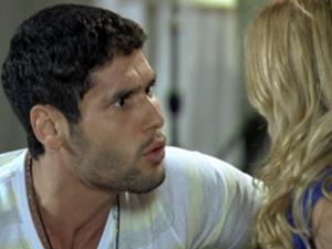 Wallace vai lutar novamente (Foto: Fina Estampa/ TV Globo)