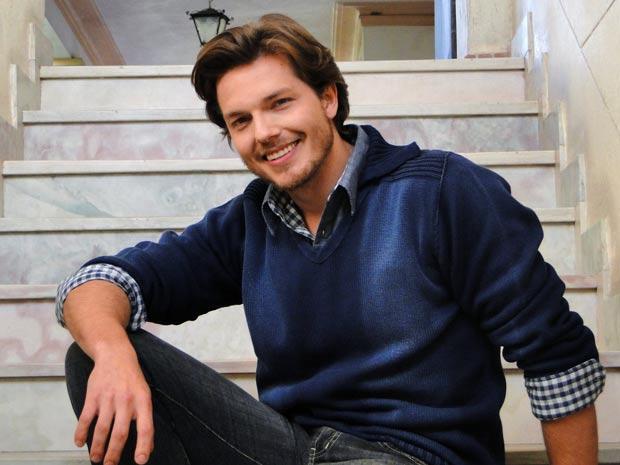 Alexandre interpreta Felipe  (Foto: A Vida da Gente / TV Globo)