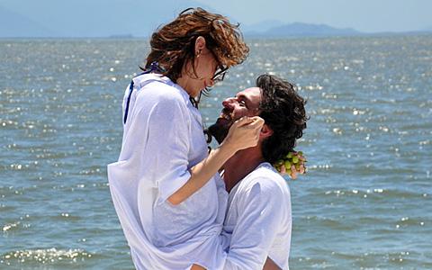 Amanda e Herculano ficam juntos e têm filho (OAstro/TVGlobo)