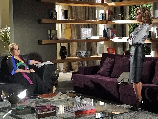 Maruschka concorda que é necessário ir até ao Covil do Bagre (Foto: Aquele Beijo/TV Globo)