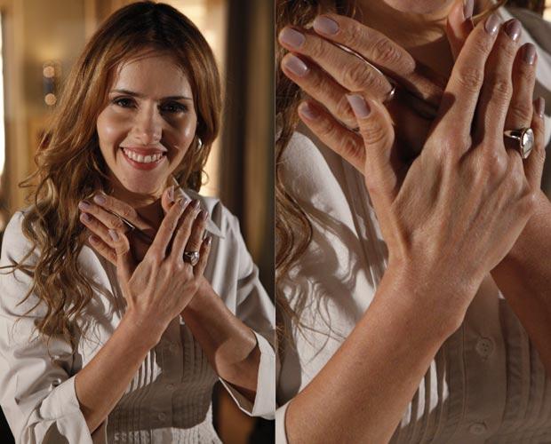 Esmalte cintilante compõe o look clean da médica Celina