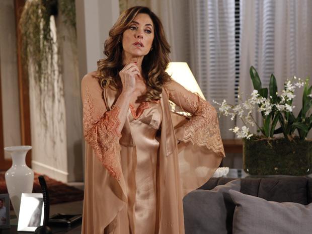 Tereza Cristina fica furiosa com o apelido que ganhou dos vizinhos (Foto: Fina Estampa/TV Globo)