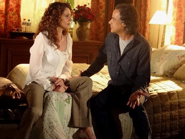 Dora e Marcos decidem ficar juntos (Foto: A Vida da Gente/TV Globo)