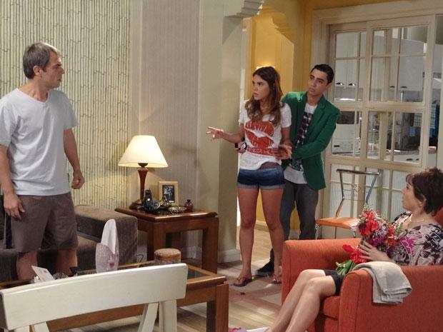 Natalia descobre que estavam proibindo Ziggy de dormir com ela (Foto: Malhação/TV Globo)