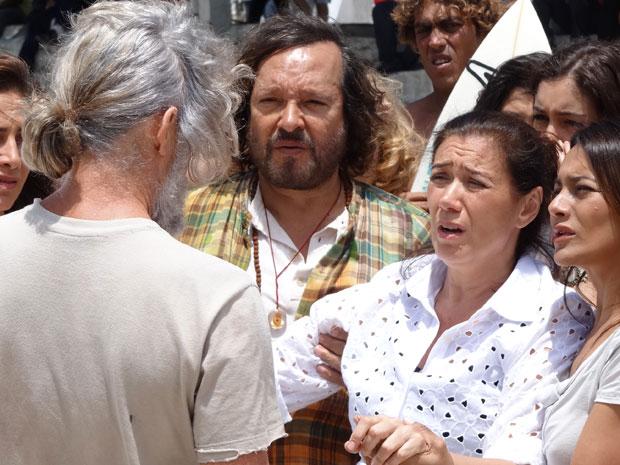 Griselda fica cara a cara com Pereirinha (Foto: Fina Estampa/TV Globo)