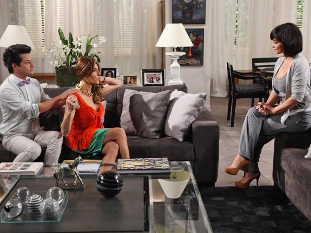 Tereza Cristina avisa que fará grande celebração e irá excluir Griselda da festa (Foto: Fina Estampa/ TV Globo)