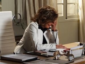 Maruschka desaba no choro (Foto: Aquele Beijo / TV Globo)
