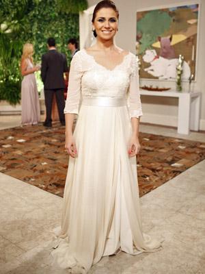 Claudia (Giovanna Antonelli) usará um vestido off-white no casamento com Rubinho