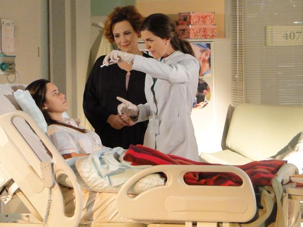 Ana faz tratamento intensivo para recuperar a fala (Foto: A Vida da Gente - Tv Globo)