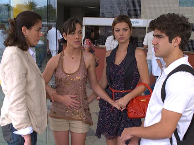 Patrícia não quer mais saber de Antenor (Foto: Fina Estampa/TV Globo)