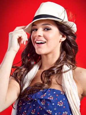Belezinha está linda na campanha (Foto: Aquele Beijo/TV Globo)
