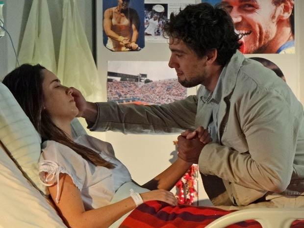 Rodrigo agradece a Ana por ter lhe dado Júlia (Foto: A Vida da Gente / TV Globo)