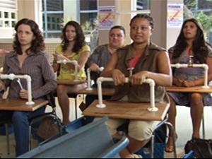 Time de Pereirões assistem à aula de Griselda (Foto: Fina Estampa / TV Globo)