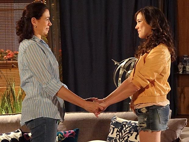 Patrícia agradece a maneira como foi recebida por Griselda (Foto: Fina Estampa / TV Globo)