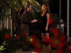 Lourenço tenta reconquistar a amada (Foto: A Vida da Gente/TV Globo)