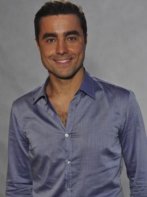 Ricardo Pereira, além de galã, troca fraldas (Foto: TV Globo / Estevam Avellar)