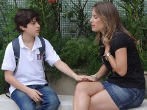 Verinha promete dedicar mais tempo ao filho Igor (Foto: Malhação / TV Globo)