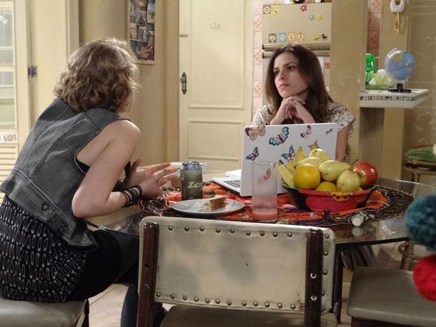 Cristal e Babi discutem (Foto: Malhação/TV Globo)